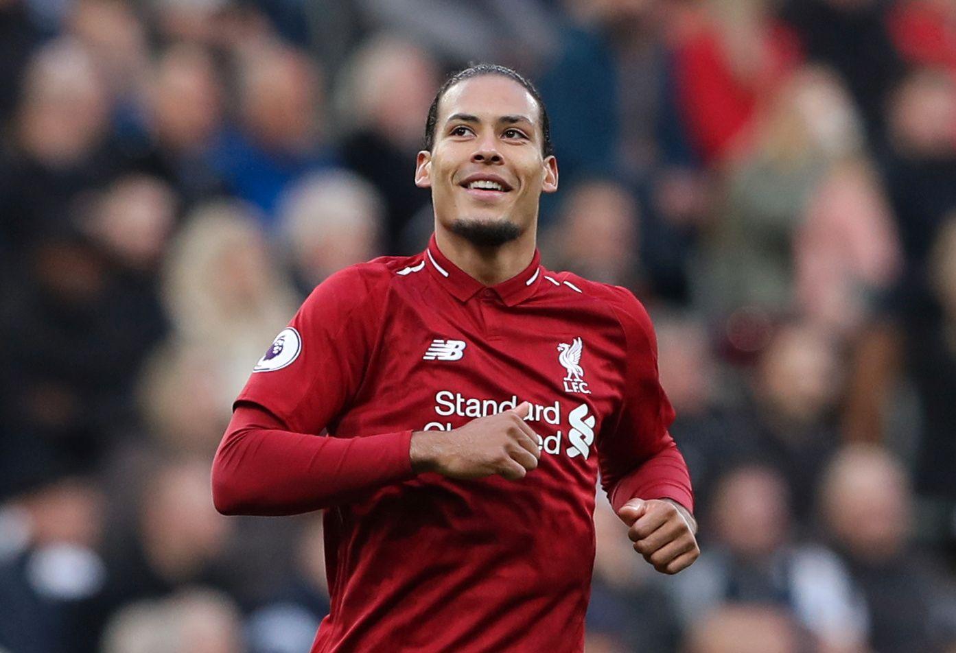 NUMMER ÉN: Virgil van Dijk gjorde som Mohamed Salah i fjor, og ble kåret til sesongens beste spiller.