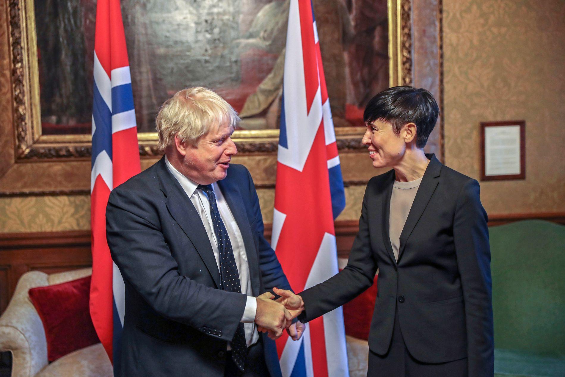 HANDELSPARTNERE: Utenriksminister Ine Eriksen Søreide (H) møtte sin daværende kollega, Boris Johnson i 2017 for å avklare handelsavtaler etter brexit. Norge er ett av de land som vil bli hardest rammes om britene går ut uten en avtale.