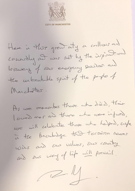 KONDOLANSEPROTOKOLL: Theresa May uttrykte sin medfølelse til ofrene etter Manchester-angrepet.