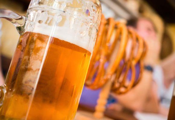 Byene med verdens dyreste og billigste øl