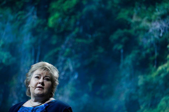 KLIMAREGJERING? – Utslippene skal kuttes med 40 prosent innen 2030 i samarbeid med EU, og vi skal fortsatt ha gode støtteordninger for bedriftene til å skape nye grønne arbeidsplasser. Det er godt nytt for klimakampen, skriver statsminister Erna Solberg.
