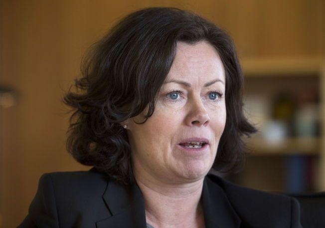 VURDERER BARNETRYGDEN: Barne og -likestillingsminister Solveig Horne.
