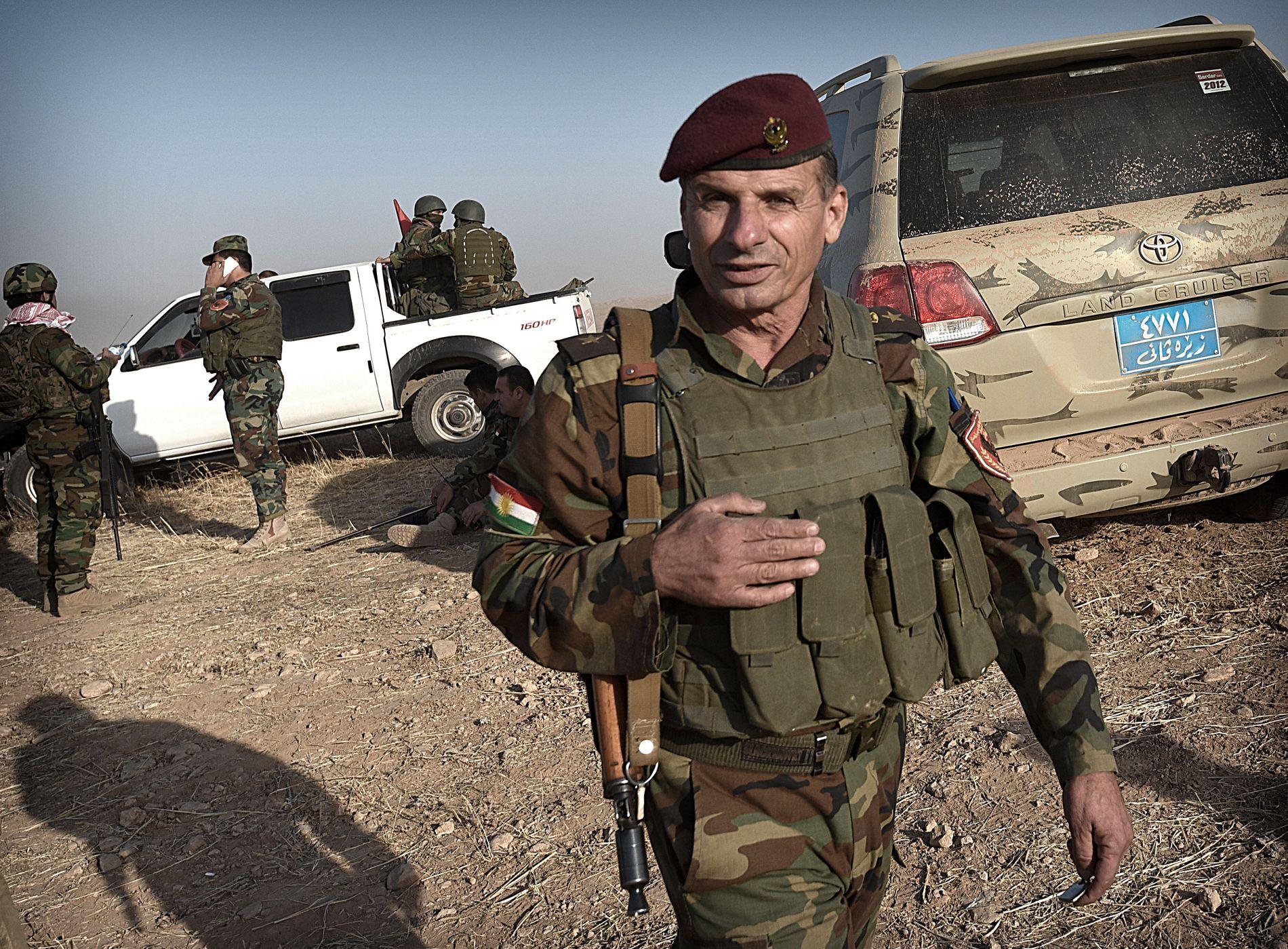 I FELT MOT IS: Oberst Omar Moluwd (54), som har vært i Peshmerga-styrken siden 1980 er med på å lede konvoien som angrep Bashiqa.