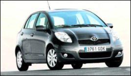 Toyota Yaris: Leasing, totalsum: 99 984 kroner. Kjøpe, totalsum: 81 190 kroner. Du taper på tre år: 18 794 kroner.