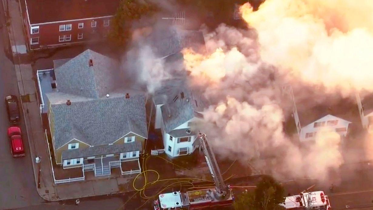 EVAKUERING: Det ble meldt om brann eller eksplosjoner 39 steder, og innbyggerne ble evakuert i tre byer i Merrimack Valley utenfor Borston.