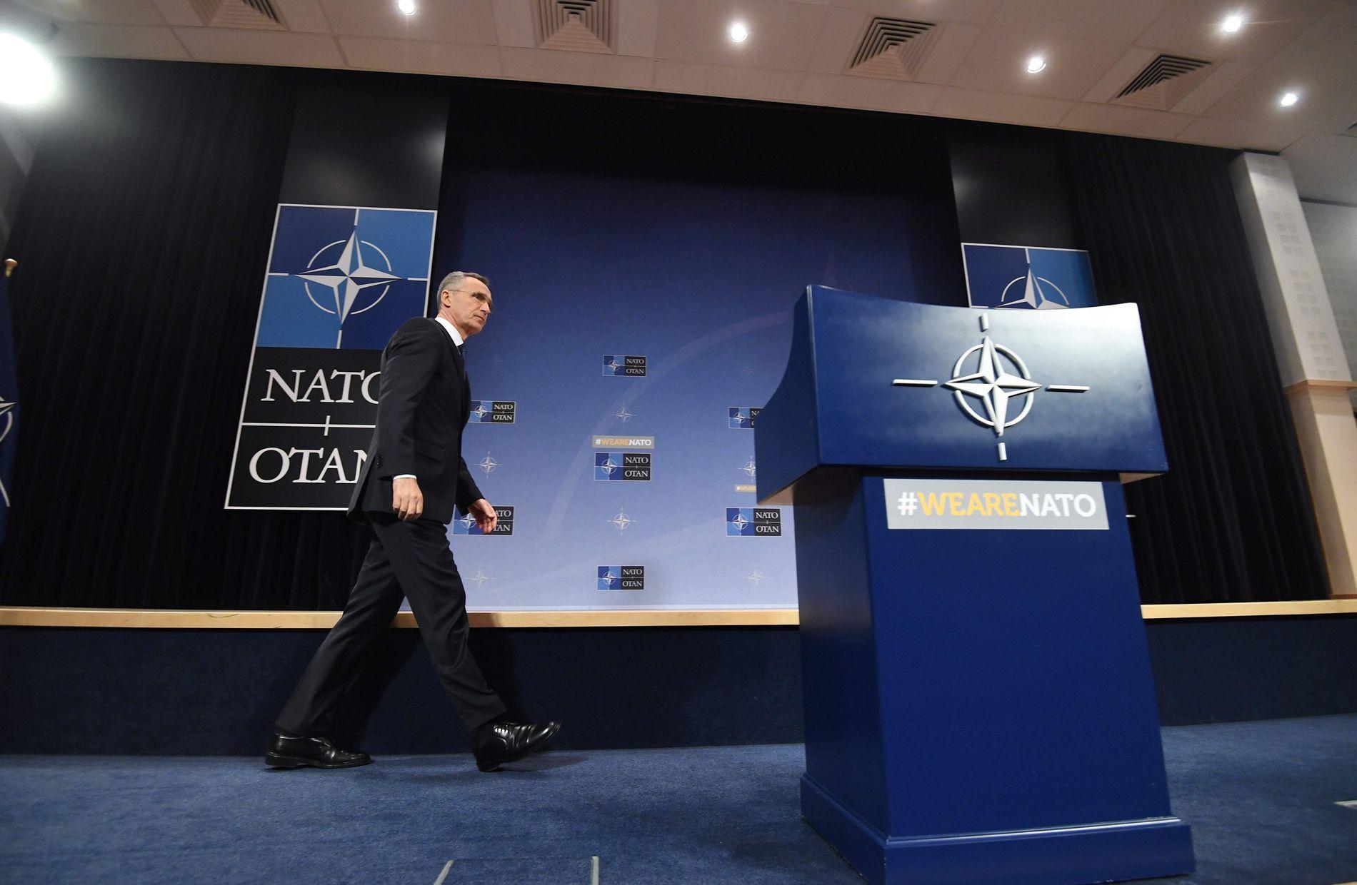 REAGERER: Jens Stoltenberg, som er generalsekretær i NATO, la torsdag fram alliansens årsberetning i Brussel.