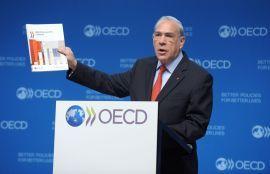 ADVARER: Generalsekretær Angel Gurria i OECD.