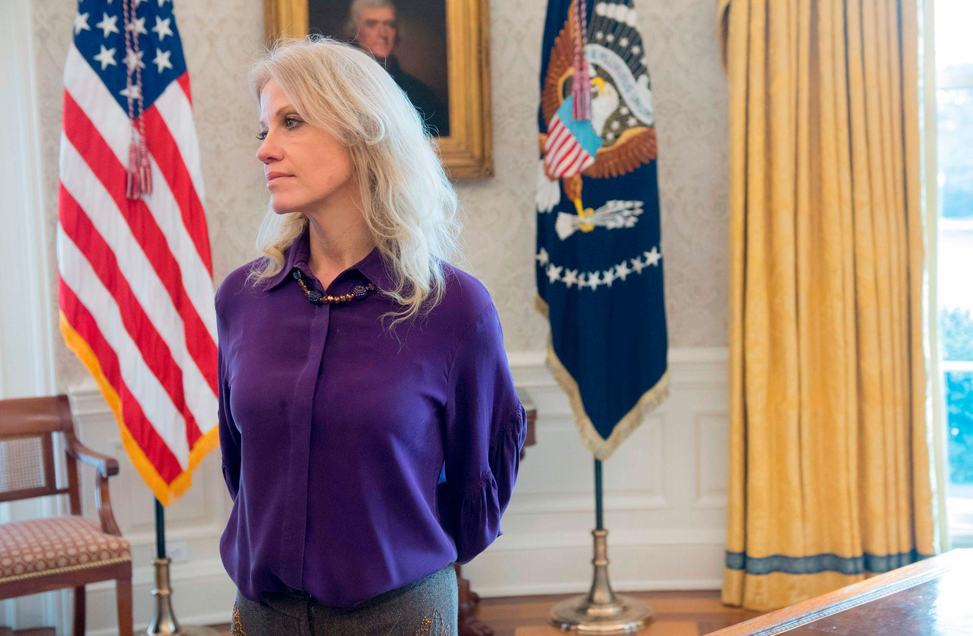 SLÅR TILBAKE: Trump-rådgiver Kellyanne Conway. Her avbildet i Det hvite hus før helgen.