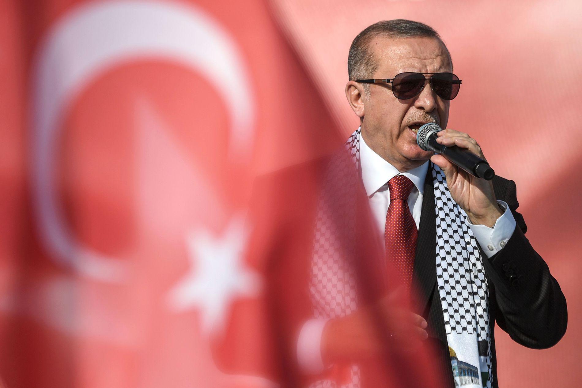 KAN SITTE TIL 2029: Dersom Recep Tayyip Erdogan blir gjenvalgt 24. juni, kan han bli sittende som president til 2029. Her fra en støttedemonstrasjon for Gaza i Istanbul 18. mai.