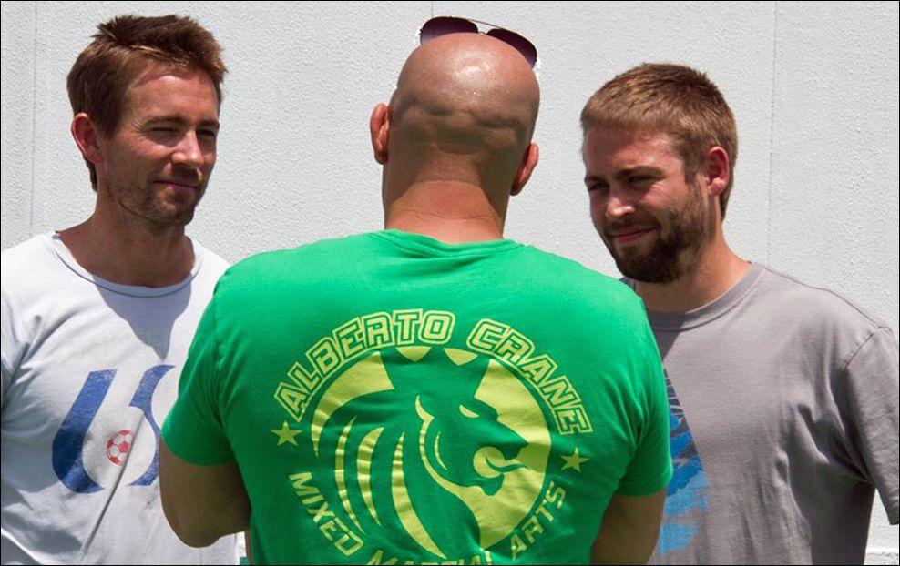 KOLLEGER: Vin Diesel (46) sammen med Paul Walkers to brødre Caleb (36) og Cody (25). Foto: Vin Diesel/Facebook