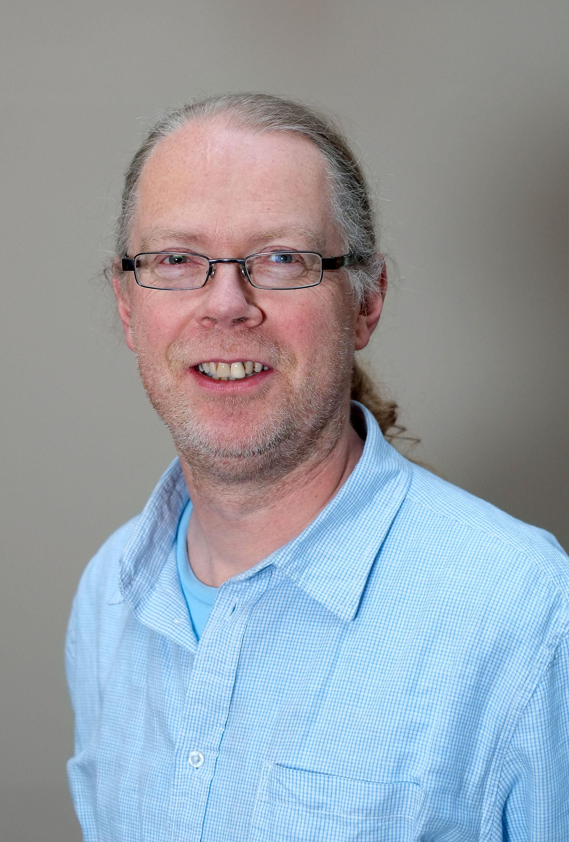 VARSLET: Trond Hatling leder i dag Nasjonalt kompetansesenter for psykisk helsearbeidved NTNU i Trondheim. Han varslet allerede i 1998 om problemene med tvangsdata.