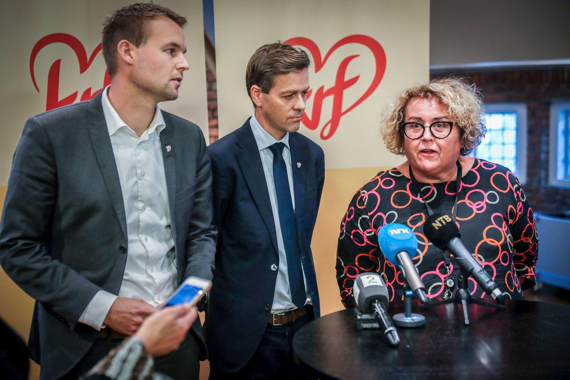 VIL TIL HØYRE: KrF-nestleder Kjell Ingolf Ropstad (f.v.) fronter sammen med nestleder Olaug Bollestad ønsket om å gå inn i Erna Solbergs regjering.