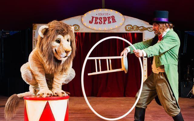 ANNERLEDES SIRKUSFORESTILLING: Gjør deg klar for et gjensyn med eks-røver Jesper.