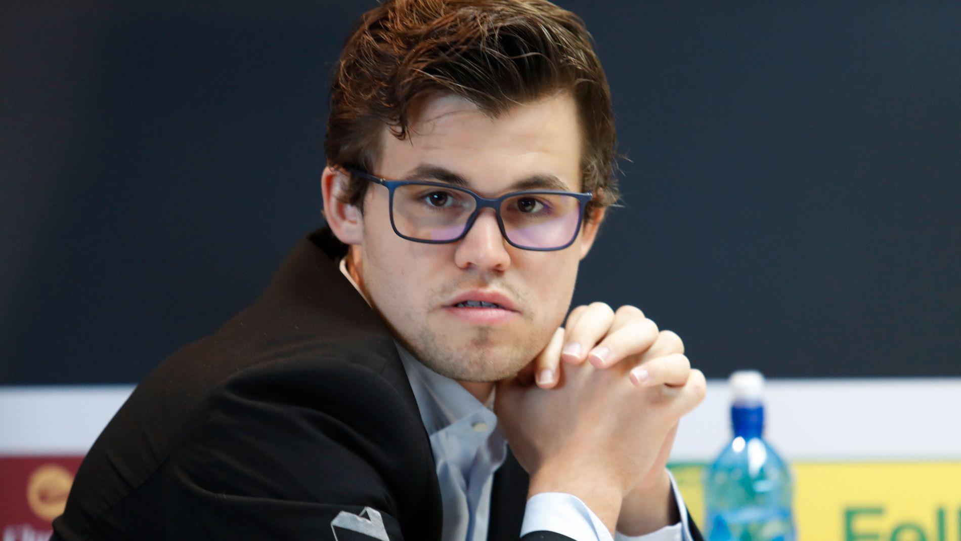 JUL I RIYADH: Magnus Carlsen, her avbildet i Stavanger i mai, skal etter planen delta i lyn- og hurtigsjakk-VM i Saudi-Arabia.