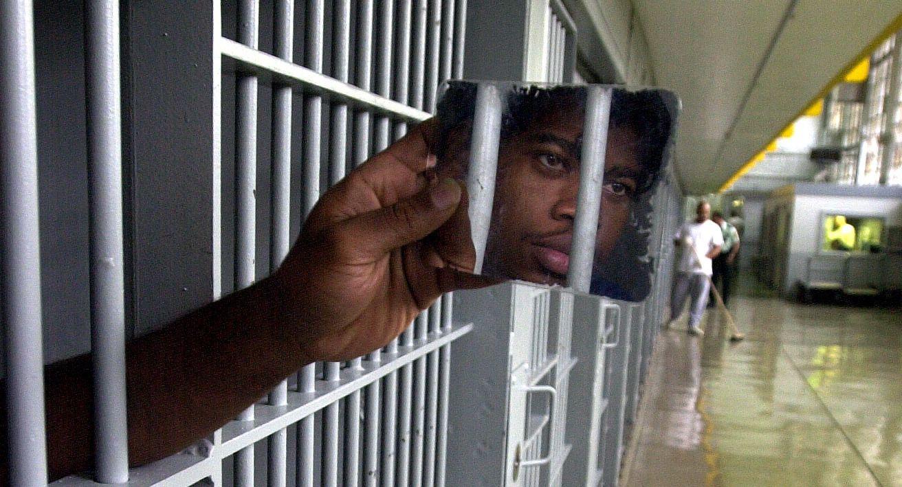 FEILSLÅTT: - Siden Nixon igangsatte sin krig mot narkotika har innsatte i amerikanske fengsler blitt tredoblet; bare i 2012 ble 1,5 millioner amerikasnere arrestert for ikke-voldelide narkoforbrytelser, skriver kronikkforfatteren.