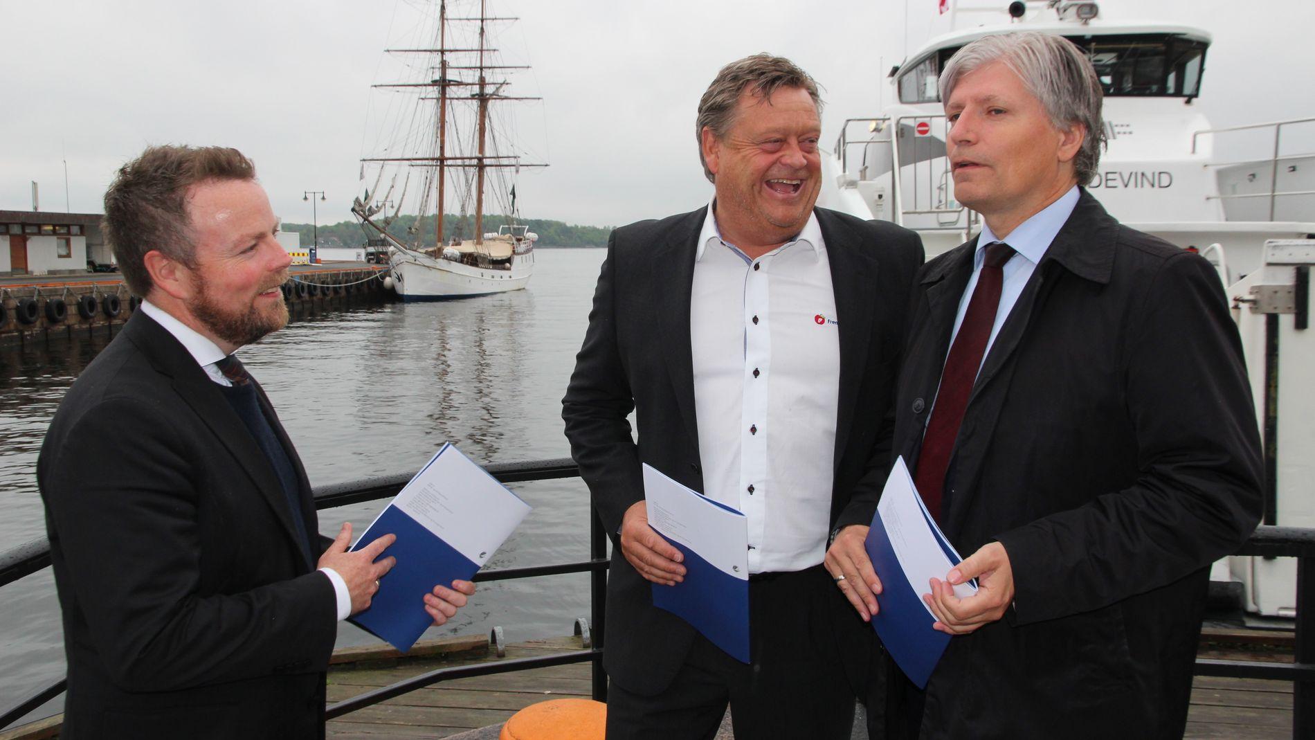Fra venstre: Næringsminister Torbjørn Røe Isaksen (H), fiskeriminister Harald T. Nesvik (Frp) og klima- og miljøminister Ola Elvestuen (V)
