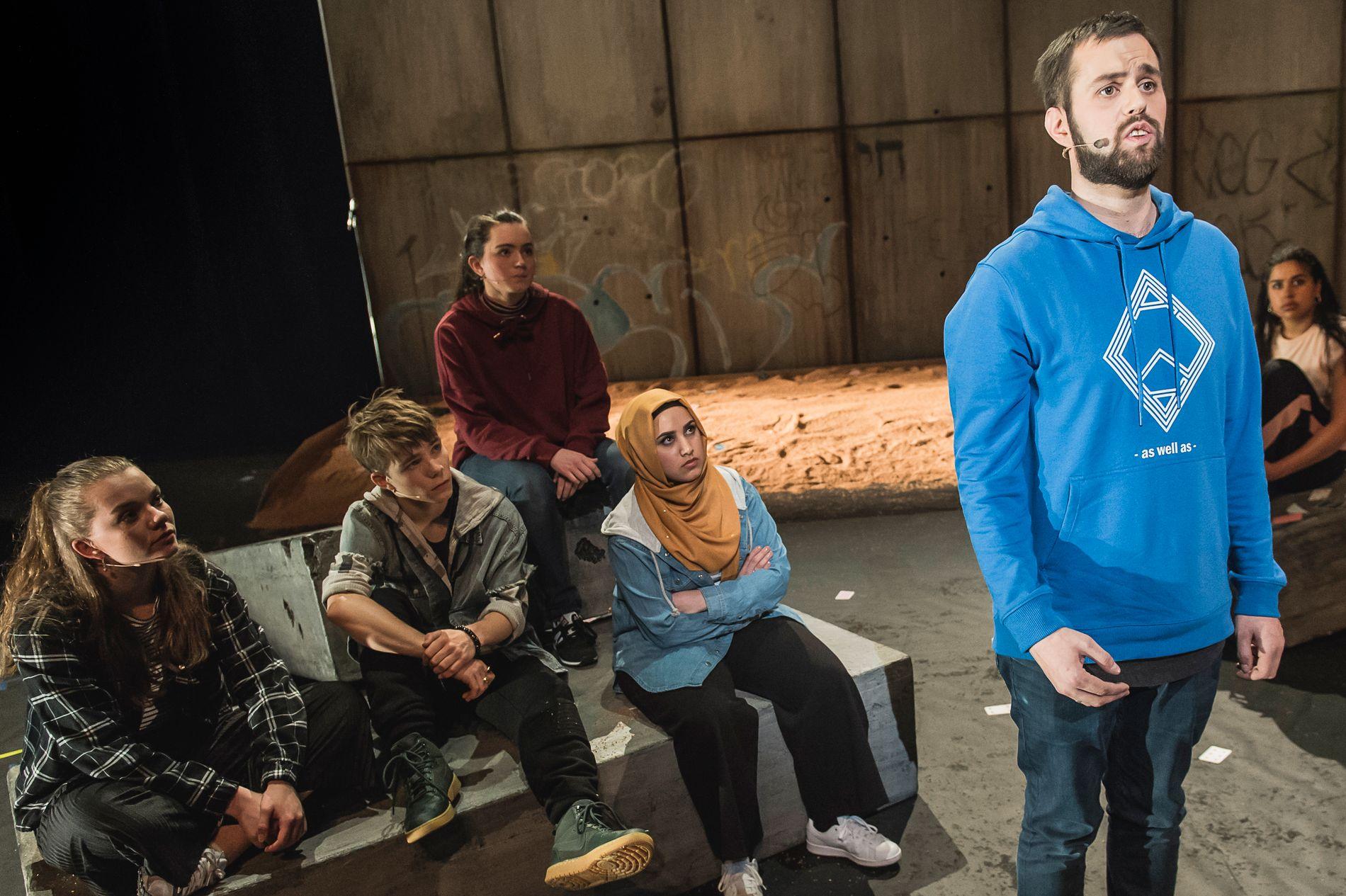 """STERK HISTORIE:  Yousef Bartho Al-Nahi  – tidligere Per – forteller sin sterke historie i """"Utafor""""."""