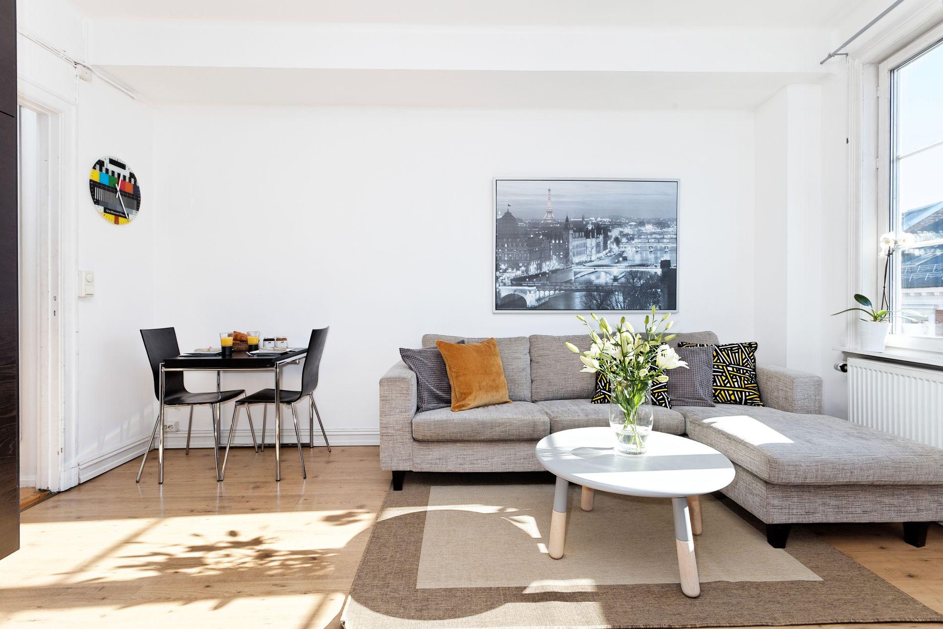 SOLGT: Tirsdag ble den 31 kvadratmeter store leiligheten til NRK-programleder Frode Søreide i Parkveien i Oslo solgt for 3 millioner.
