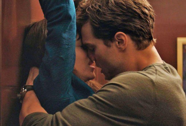 HETT: Dakota Johnson og Jamie Dornan i «Fifty Shades of Grey».
