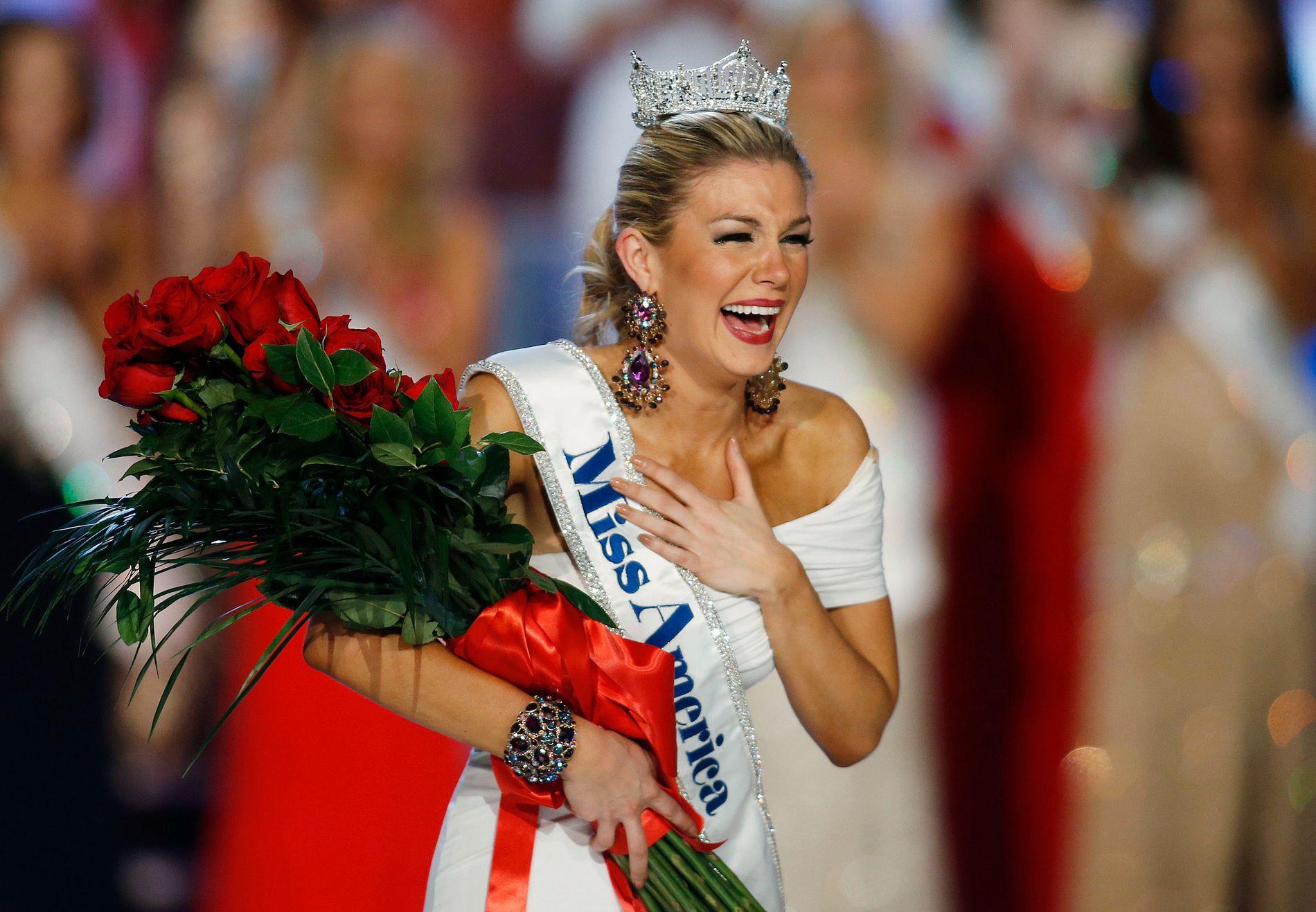 GLEDESTÅRER: Miss Texas, Mallory Hagan, var i lykkerus da hun ble kåret til Miss America i 2013.