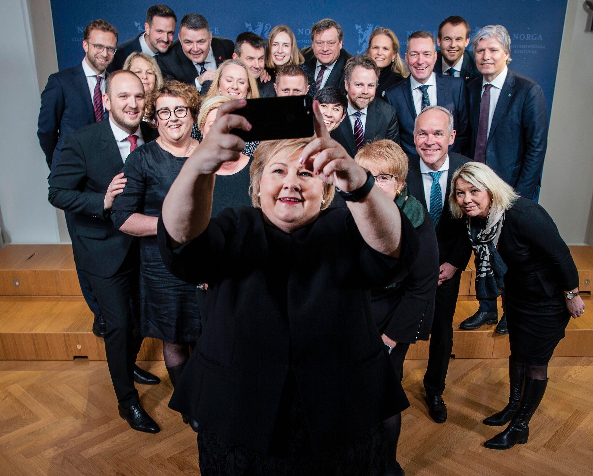 BY-REGJERING: Storparten av statsrådene i Erna Solberg sin regjering kommer fra byer eller plasser nær byer.