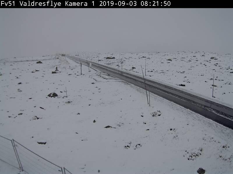HVITT I VALDRES: Også på Valdresflye var snøen lagt seg. Fjellovergangen er fortsatt åpen.