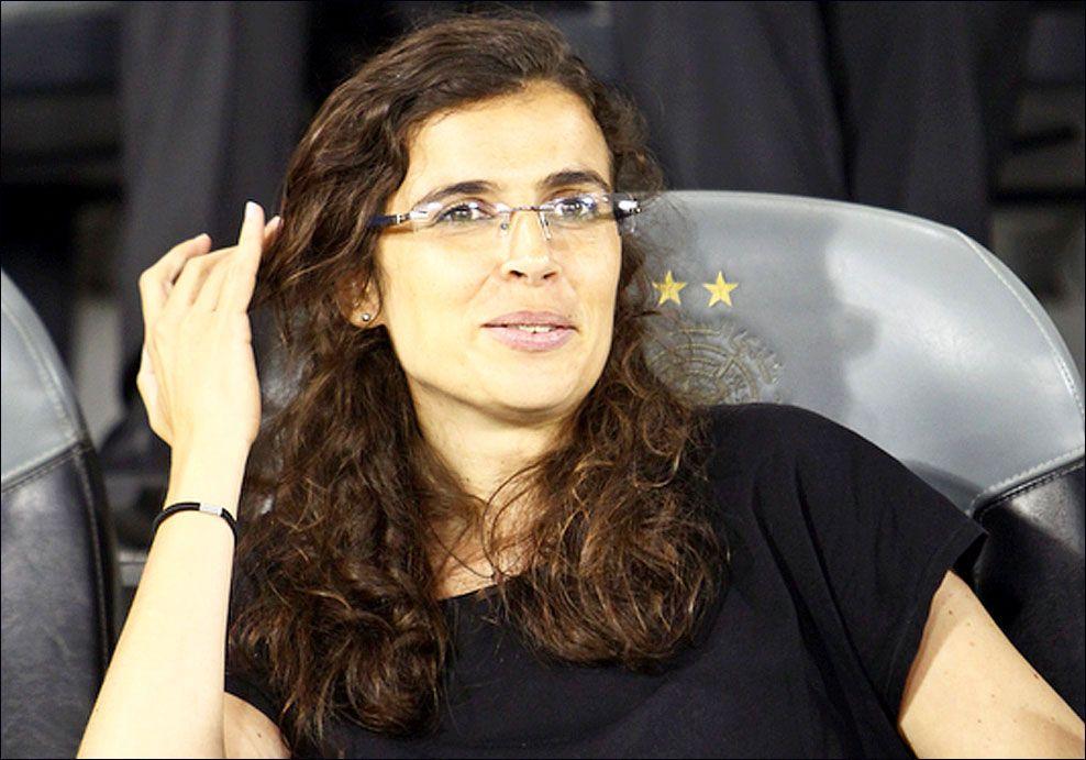 GÅR FORAN: Helena Costa blir trener for den franske herreklubben Clermont. Her fra en VM-kvalifiseringskamp mellom Qatar og Iran i fjor. Foto: Getty Images
