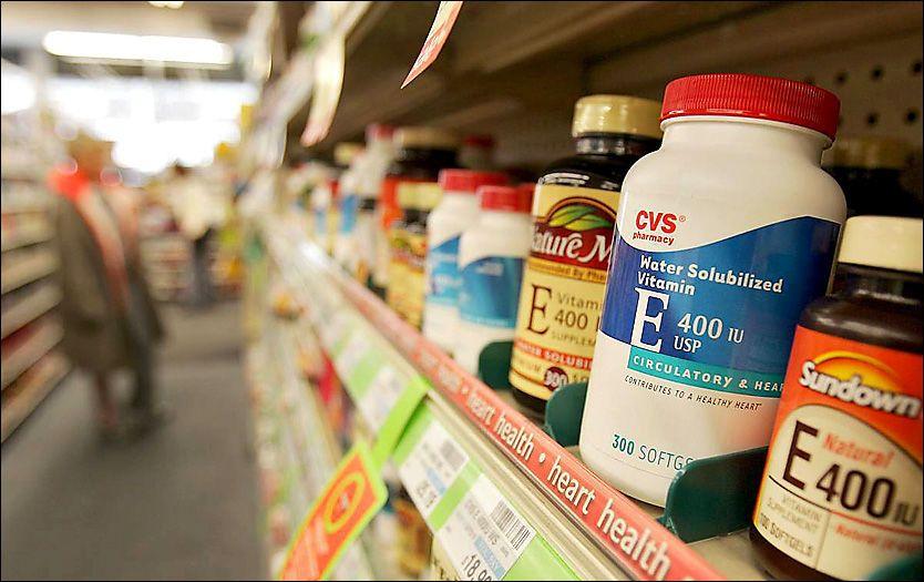 HØYE DOSER: Tilskudd av vitamin E, i høyere doser enn hva som normalt er tilgjengelig i butikkhyllene, kan bidra til å bremse Alzheimers, antyder en ny studie. Foto: GETTY IMAGES