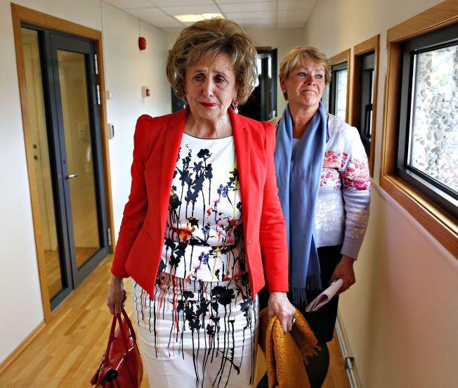 TÅREVÅT: Ordfører Trude Drevland på vei ut av et pressemøte i Bergen 15. juni, der hun snakket ut om cruise-saken.