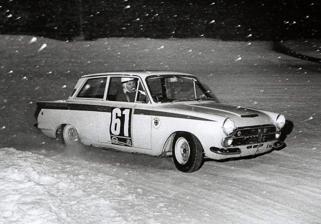 CORTINAEN: Den hvite Forden til Trond Schea ble legendarisk. Her er Schea fotografert i 1966 eller 1967.