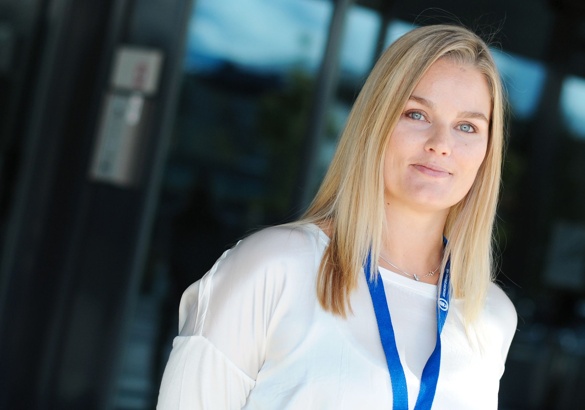 TRYGGE ARBEIDSPLASSER: Leder i jordmorforbundet, Hanne Charlotte Schjelderup, mener nedgangen i sysselsatte jordmødre er dramatisk.