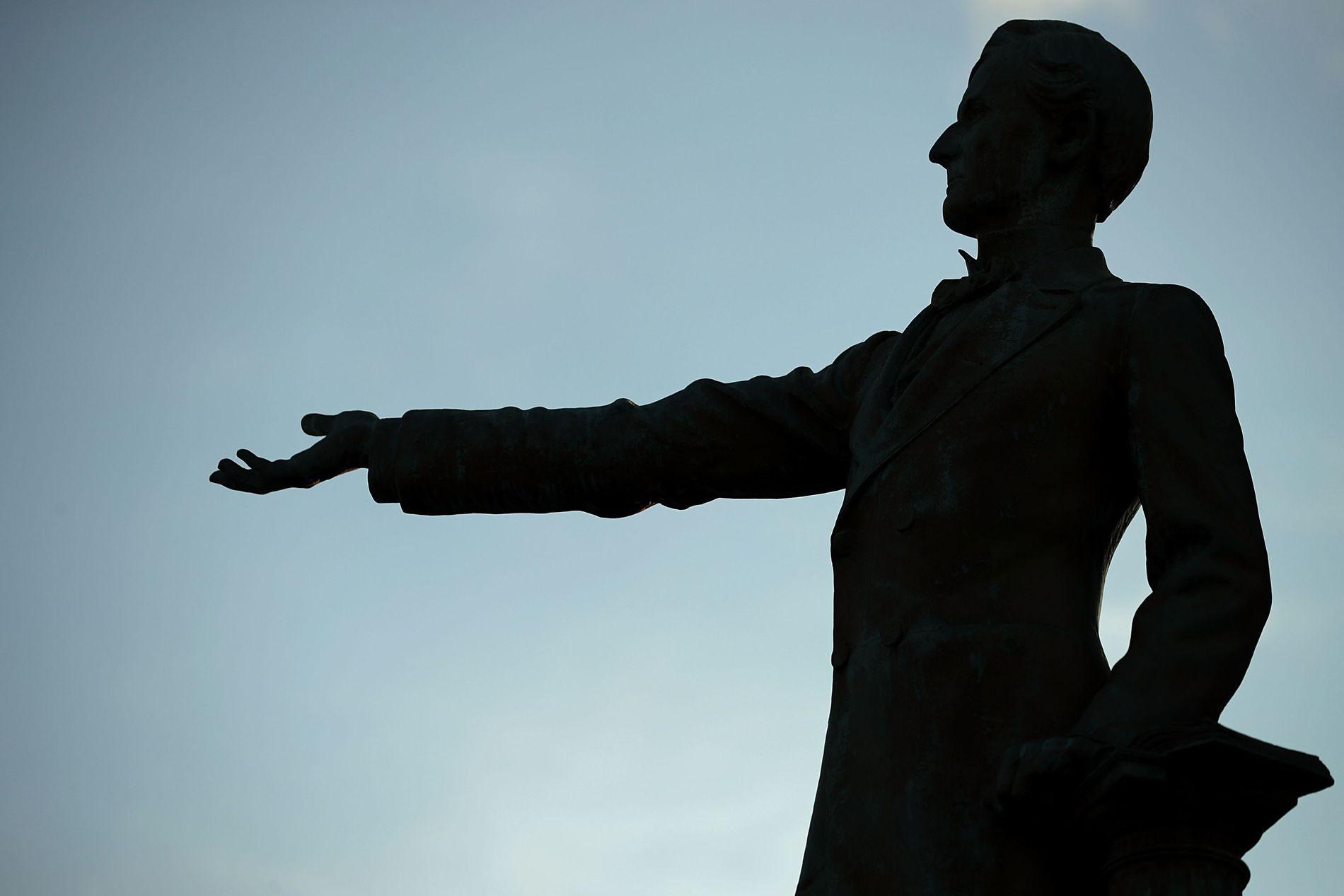 STATUESTRID: – Konføderasjons-minnesmerkene ble i hovedsak satt opp i to historiske perioder: Tidlig i det 20. århundret, og på 1950- og 1960-tallet, skriver Hilde Restad. Her statuen av Konføderasjonens president Jefferson Davis i Richmond, Virginia.