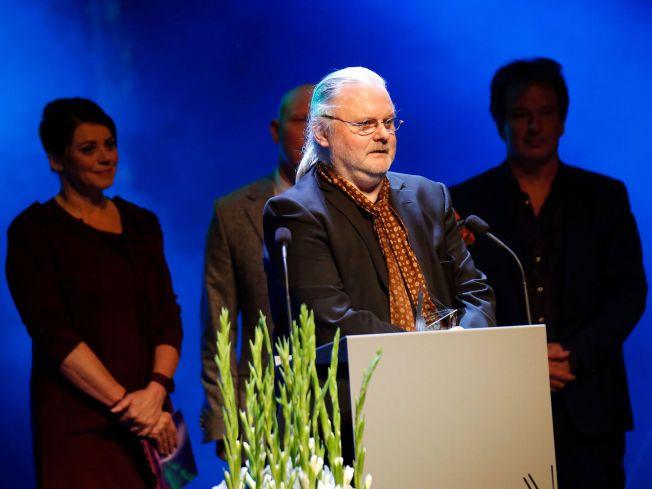SUKSESSFORFATTER: Jon Fosse mottok tirsdag kveld Nordisk råds litteraturpris på scenen i et fullsatt konserthus i Reykjavik.