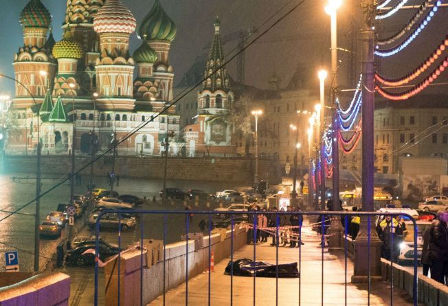 ÅSTEDET: Den russiske opposisjonspolitikeren Boris Nemtsov ble skutt og drept skutt og drept bare et steinkast fra Den røde plass.