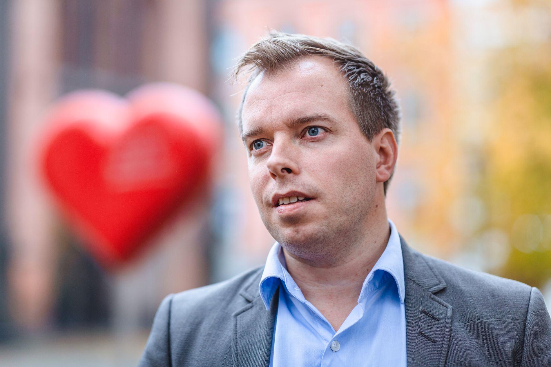 ABORT-KRITIKER: Generalsekretær Morten Dahle Stærk, her fotografert utenfor Oslo domkirke.
