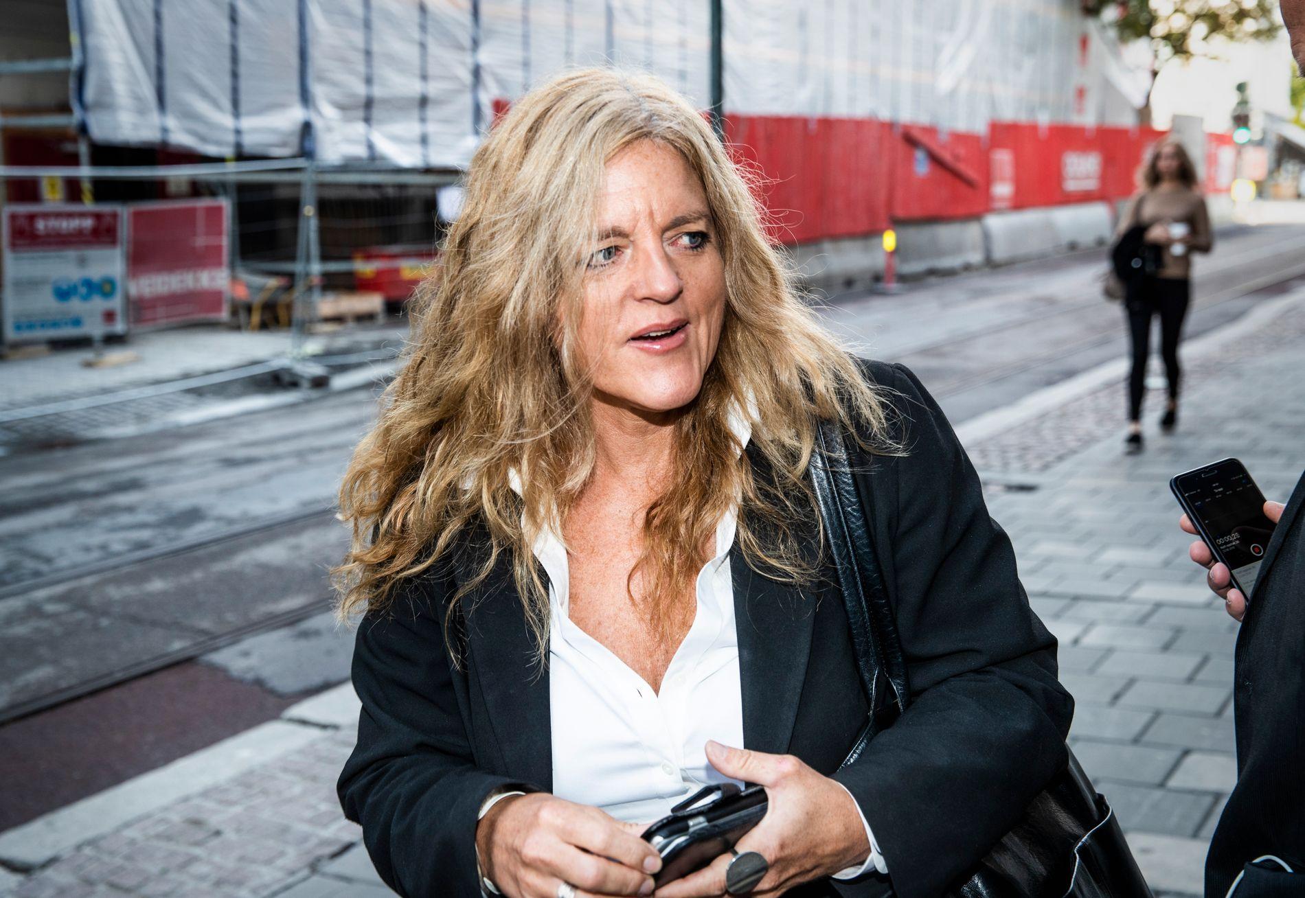 SLUTTER: Hilde Frafjord Johnson viser til at når det nå er valgt ny partiledelse, er det helt naturlig for henne å tre til side.
