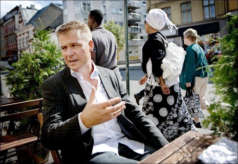 SISTE NYTT FRA FRP: - Jeg synes vi skal snu problemstillingen og si til det norske folk at vi har en kjempegod nyhet: Verden går ikke under som følge av klimaendringene, sier Frps Per Willy Amundsen. Foto: Linn Cathrin Olsen/VG