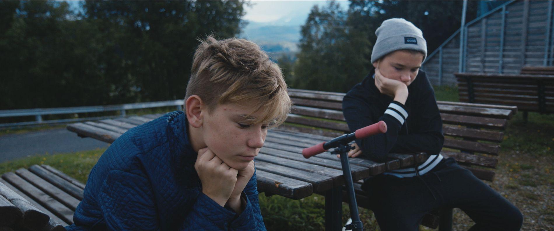 DAGER I ALLE FARGER, OGSÅ GRÅ: Selv Marcus og Martinus har dårlige dager ifølge «Sammen om drømmen». FOTO: NORSK FILMDISTRIBUSJON.