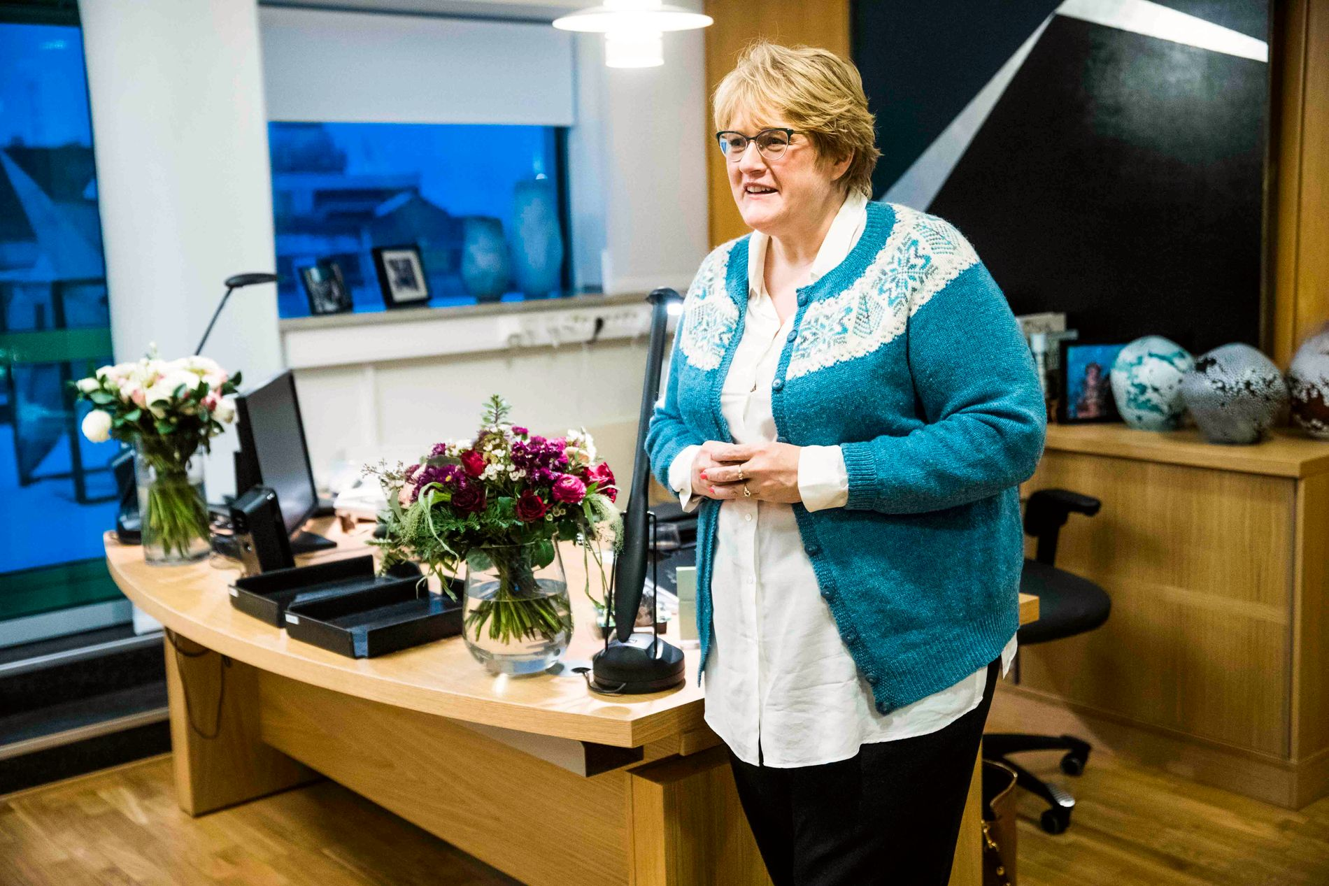 NY KULTURMINISTER: Trine Skei Grande (V), her på det nye kontoret sitt i Grubbegata i Oslo mandag ettermiddag.