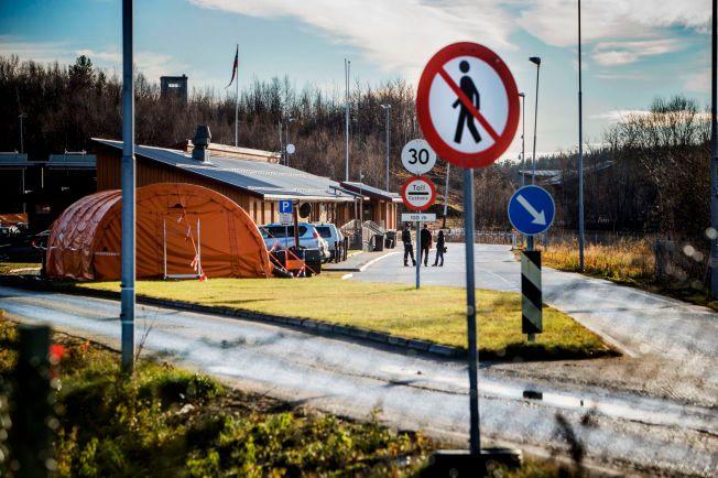 FLERE MÅ BOSETTES: 4.000 flere flyktninger enn det man først tok høyde må bosettes neste år, ifølge IMDi. Dette bildet er fra grensen på Storskog i Finnmark.
