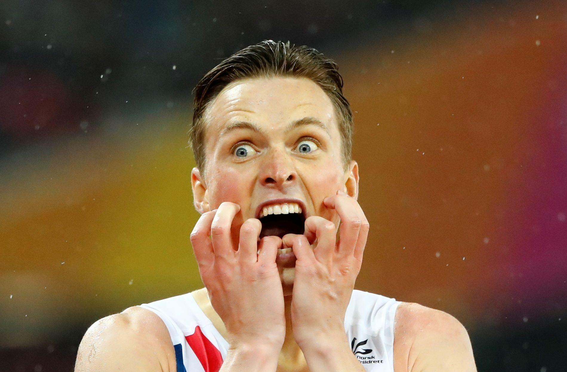 GULL: Karsten Warholm tok VM-gull på 400 meter hekk i London i august.