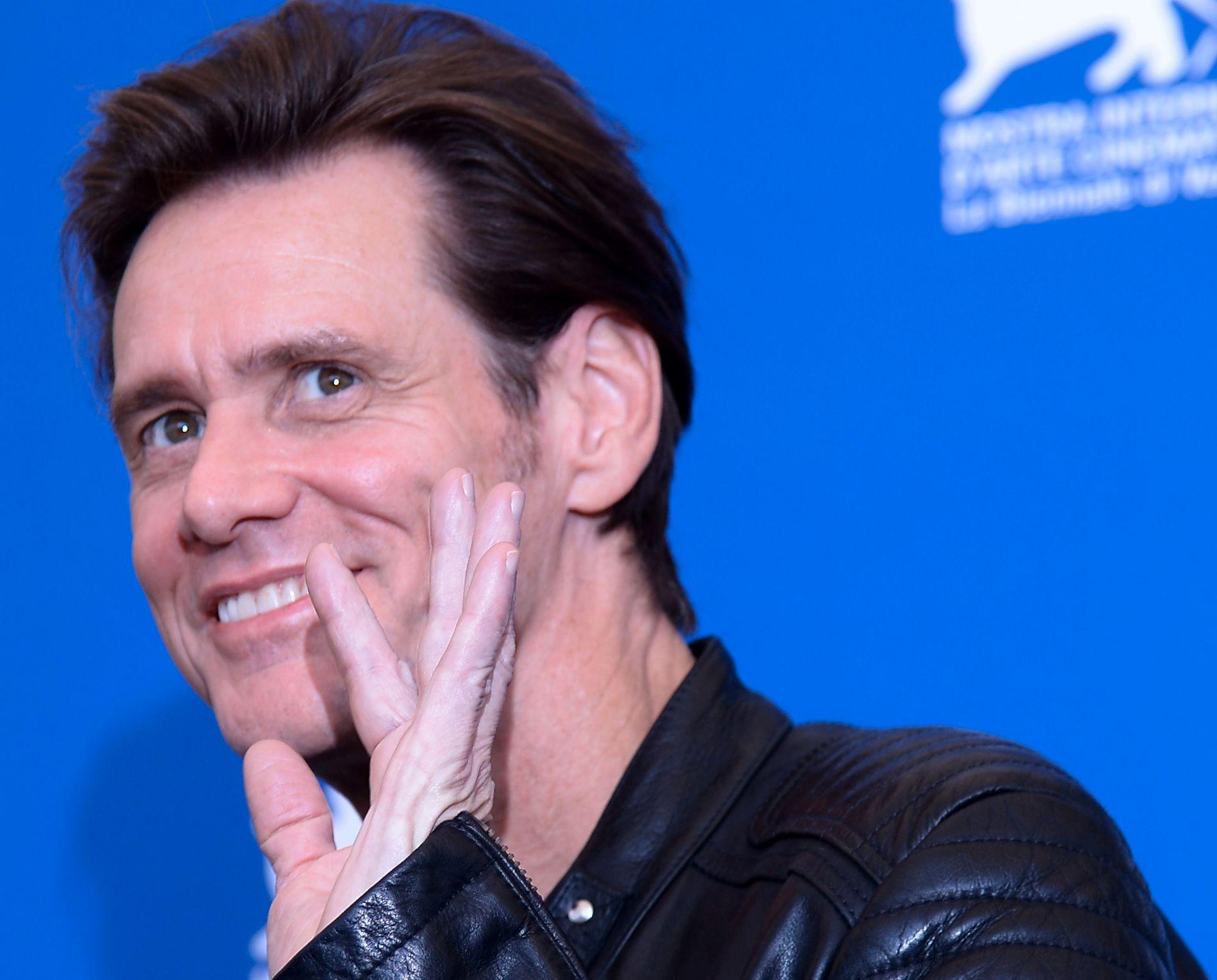 PROVOSERER: Jim Carrey, her på Filmfestivalen i Venezia i fjor, er kunstnerprovokatør på si.