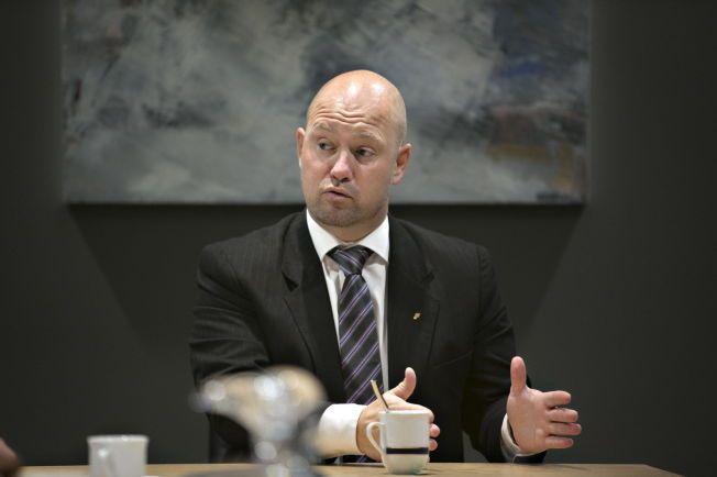 FIKK INFORMASJON; Justisminister Anders Anundsen (Frp) skal være holdt løpende orientert om alle utsendingssaker som kunne vekke oppsikt. Det gjaldt også tvangsreturer av mindreårige barn som hadde vært lenge i Norge.