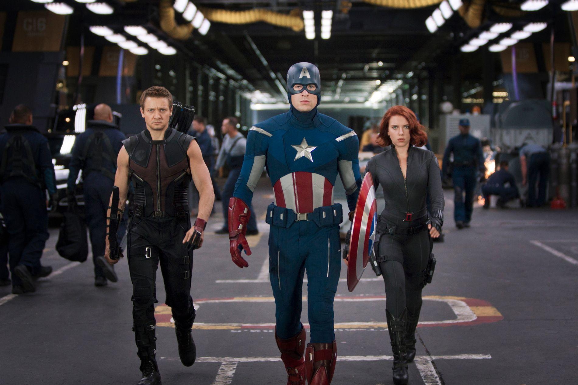 MÅL: Angivelig skal eventyrprinsessen hamle opp som handlingskraftige Avengers. Her Hawkeye, Captain America og Black Widow i «Avengers».