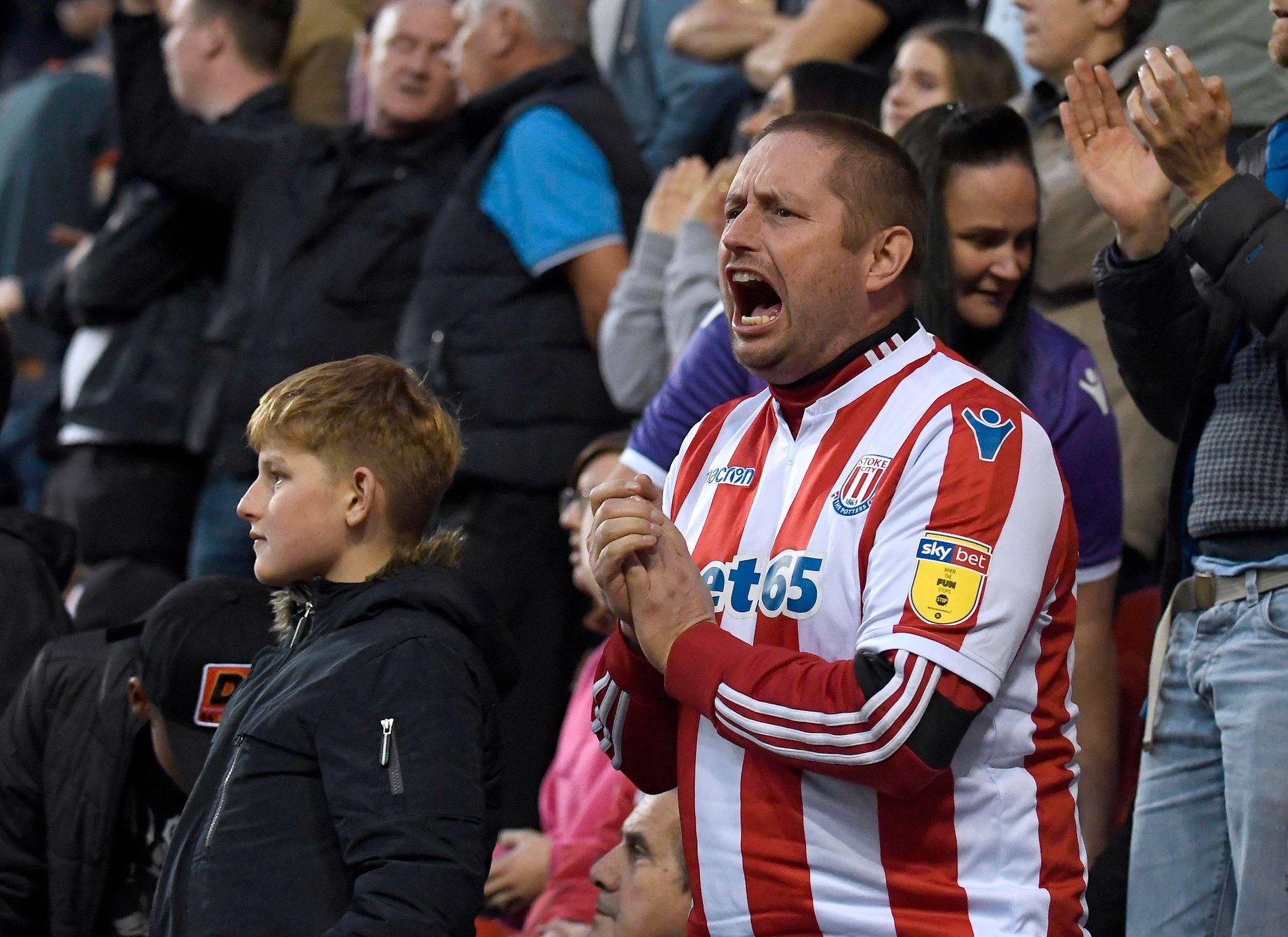 Stemningen er sitrende på Britannia når den tradisjonsrike klubben Stoke City spiller.