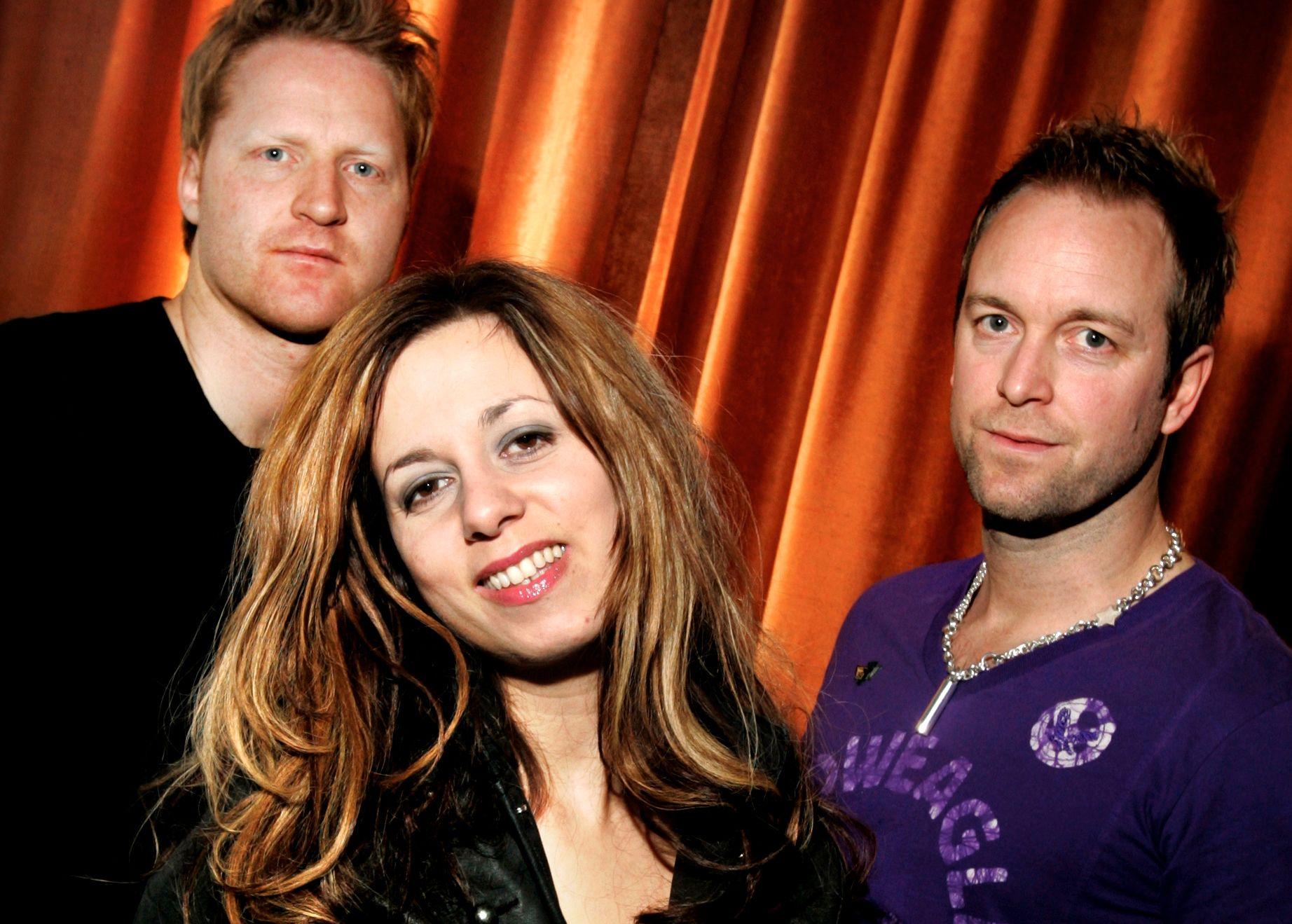 UTE: Simone Eriksrud har forlatt D'Sound, her med   Kim Ofstad (t.v.) og Jonny Sjo i 2006, under tiårsjubileet for første plateslipp.
