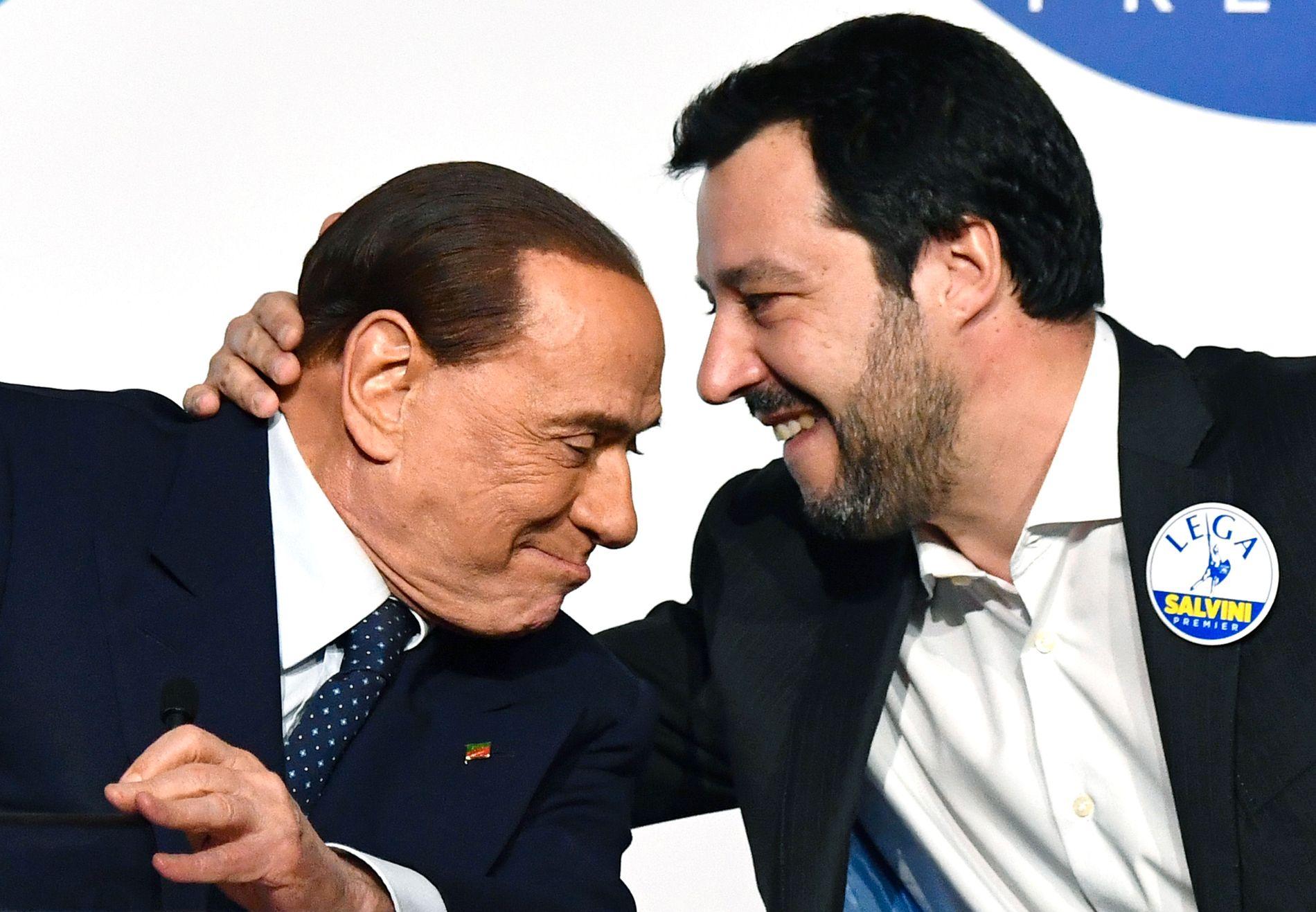 SAMMEN I VALGET: Silvio Berlusconis konservative Forza Italia har sanket stemmer sammen med Matteo Salvinis EU-skeptiske og innvandringsfiendlige Lega.