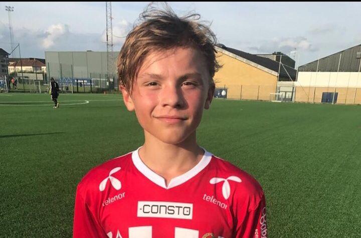 ATTRAKTIV:  Isak Hansen-Aarøen  (14) har vist seg fram for en rekke engelske toppklubber.  Nå er Manchester United interessert.