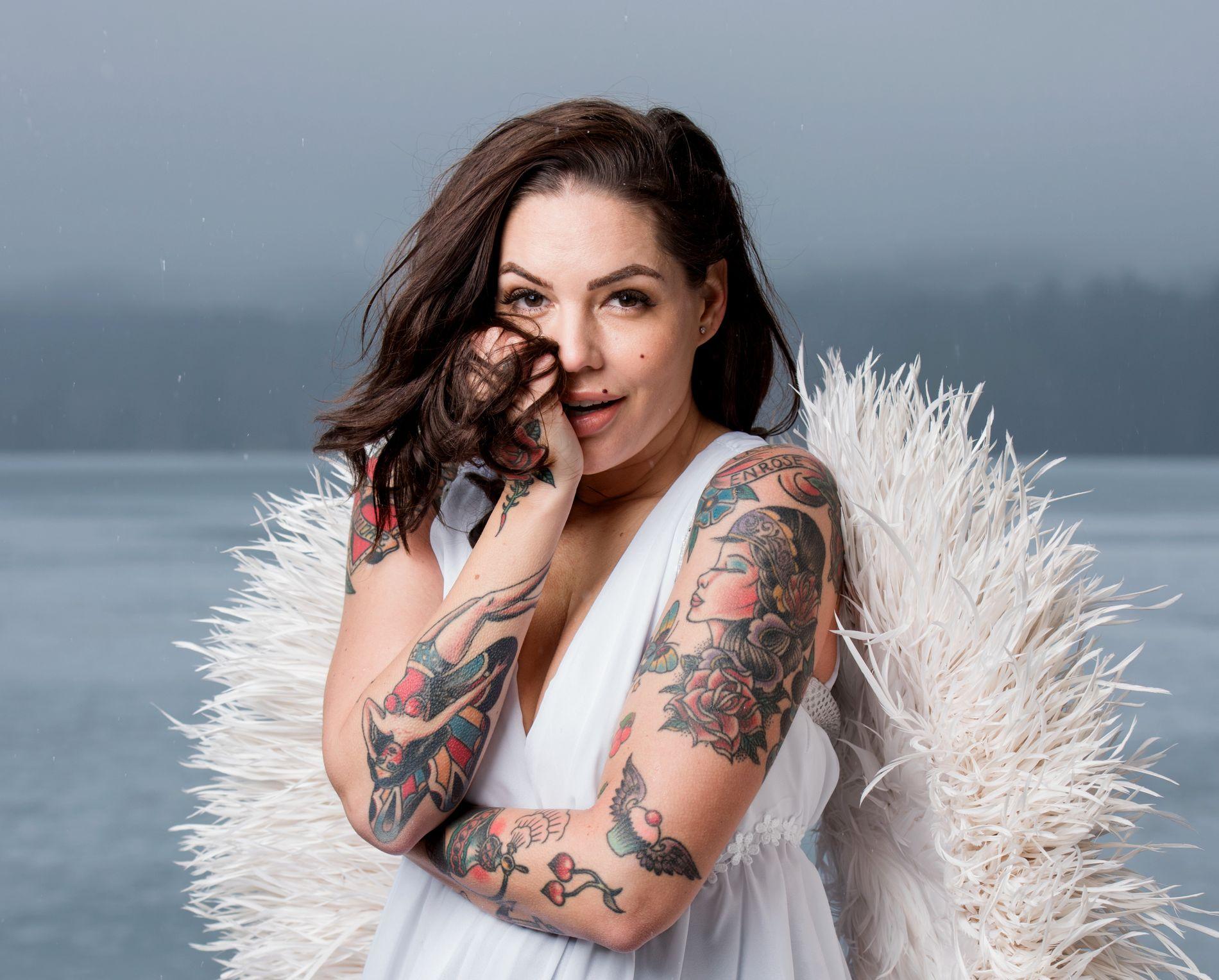 ELSKER JOBBEN: Triana Iglesias har ingen planer om å gi seg som programleder for «Paradise Hotel». Her fra et intervju med VG i 2017.