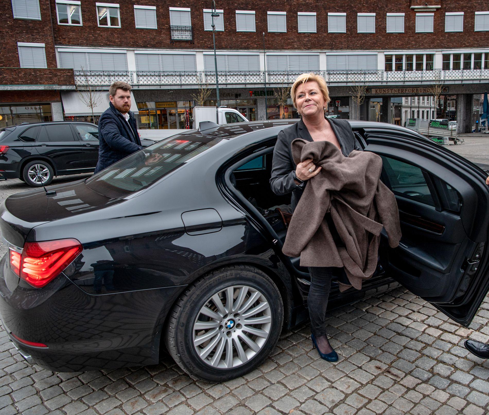BOM BOM: Frp-leder Siv Jensen opplever at velgere strømmer fra sitt parti til bompengepartier.